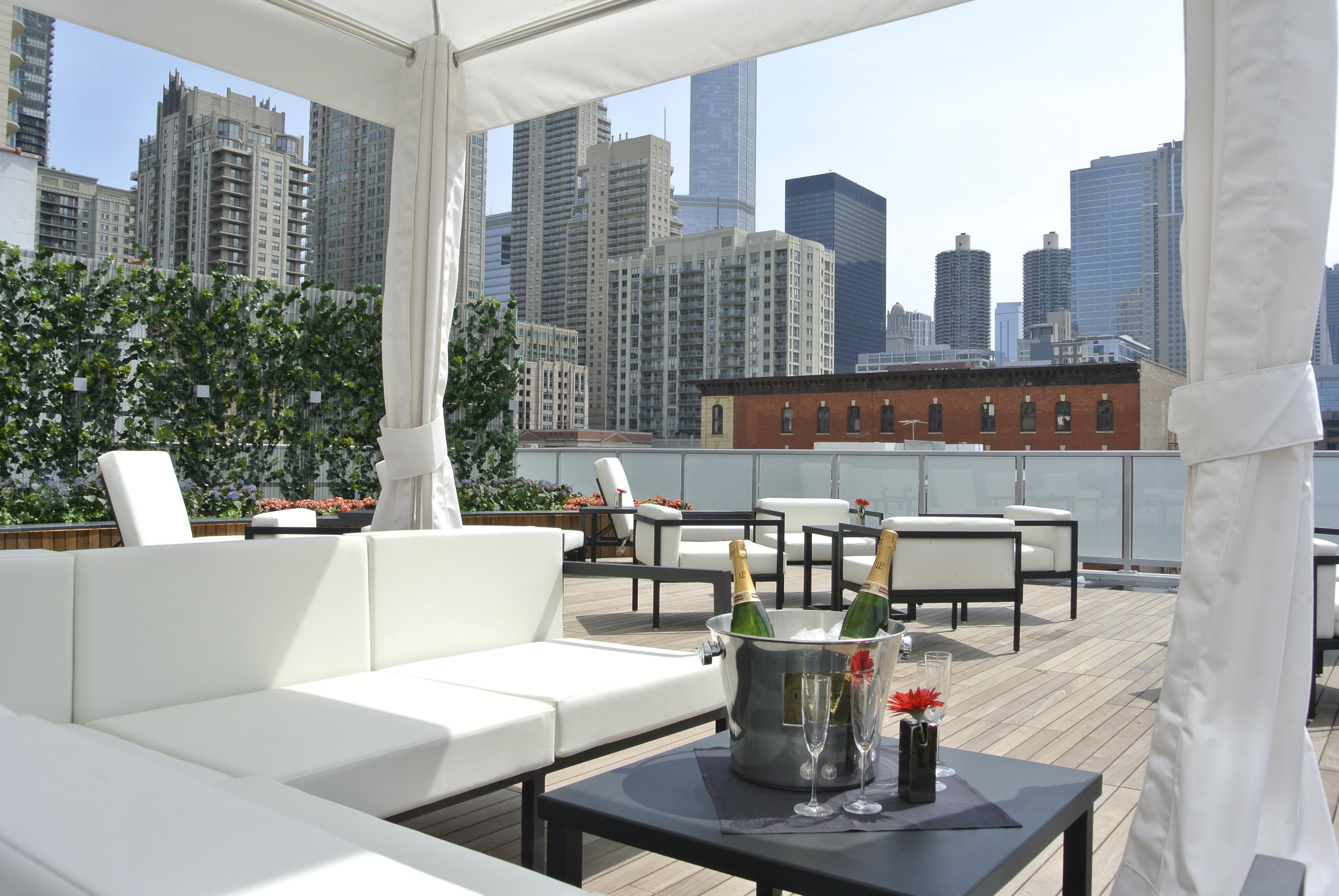 I O Godfrey Chicago Rooftop Lounge
